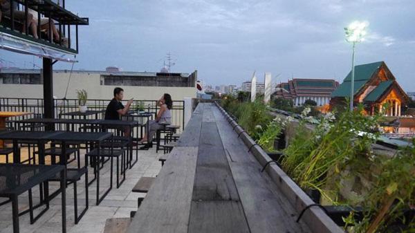 สวงิบาร์ Rooftopหลักร้อย