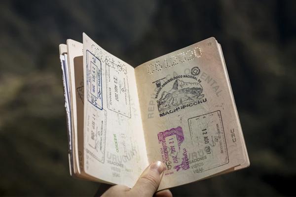 ทำไมนักเดินทางจะต้องทำประกันเดินทาง?