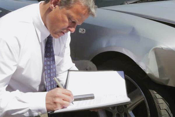 ทำไมเราถึงไม่ควรเคลมประกันรถยนต์บ่อย ๆ ?