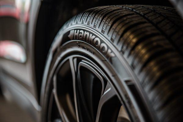 5 สัญญาณเตือน ควรเปลี่ยนยางรถยนต์ด่วน