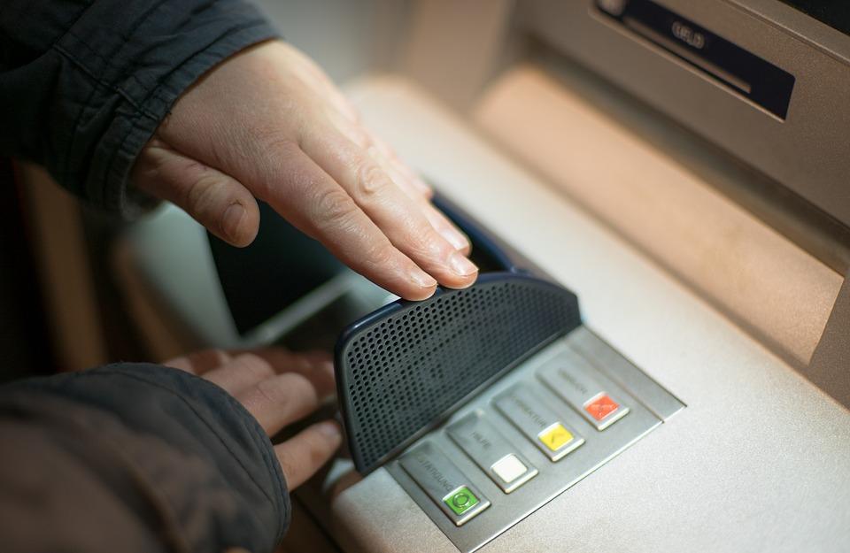 รวมบัตรกดเงินสด สมัครง่ายๆ อนุมัติไว