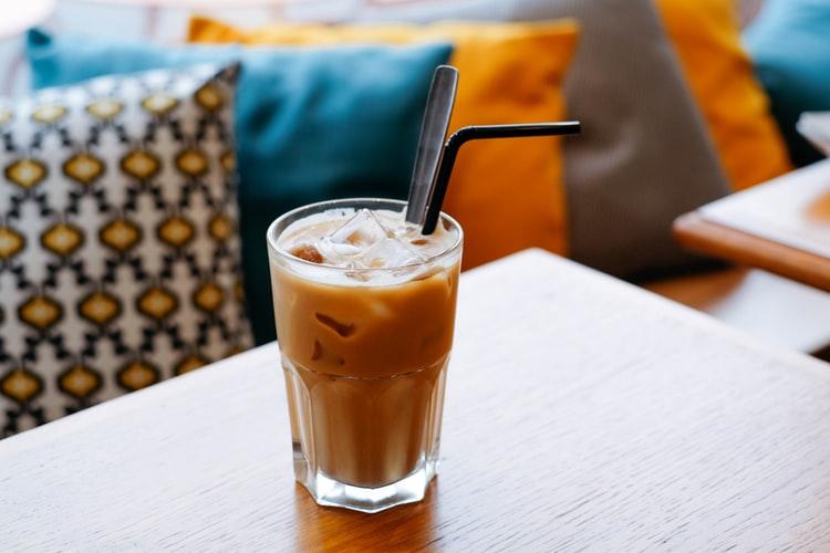 เริ่มต้นวันดีๆ กาแฟ เย็นหรือร้อนที่ตอบโจทย์