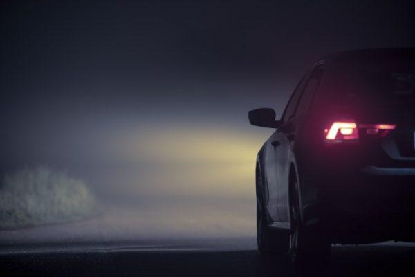5 เทคนิคขับรถตอนกลางคืน ให้ปลอดภัย ห่างไกลจากอุบัติเหตุ
