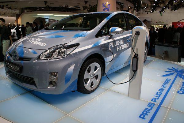 ทำความรู้จัก รถ EV รถยนต์ไฟฟ้า คืออะไร มีข้อดีอย่างไร