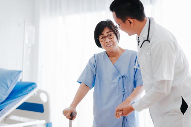 ประกันสุขภาพ ลดหย่อนภาษี เมืองไทย Health Smile