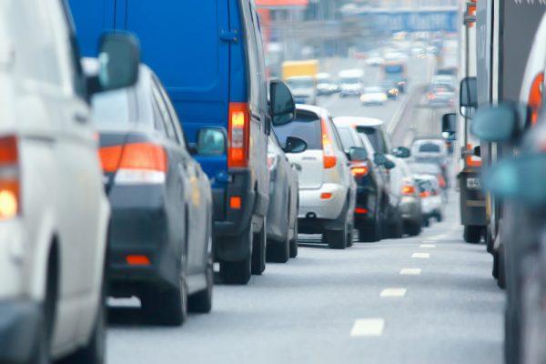 รถเบรกกะทันหัน ขับรถชนท้าย ผิดไหม ประกันคุ้มครองหรือเปล่า
